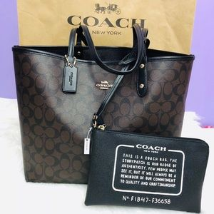 NWT Coach reversible tote😍 👏